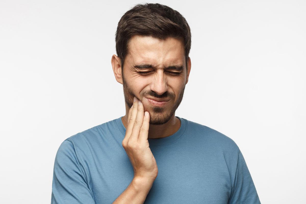 Sintomi di un ascesso dentale: quanti ne conosci?